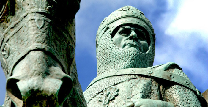 The Battle of Bannockburn in 1314 is celebrated at the Bannockburn Heritage Centre, just two miles south of Stirling.